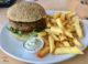 Burger vegan aux algues au Strandpaviljoen Paal 9 à Texel