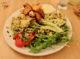 Plat principal vegan à base de patates douces au restaurant Ventre Content à Liège
