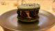 Macaron vegan au citron noir, mûre et sésame au restaurant BrEAThe à Paris