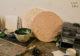 Créations en terrazzo dans l'atelier liégeois de Sophie Rahir